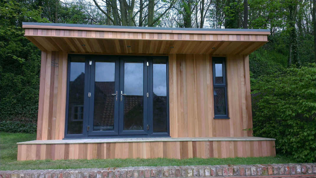 Luxury contemporary garden rooms offices uk modern for Garden gym room uk